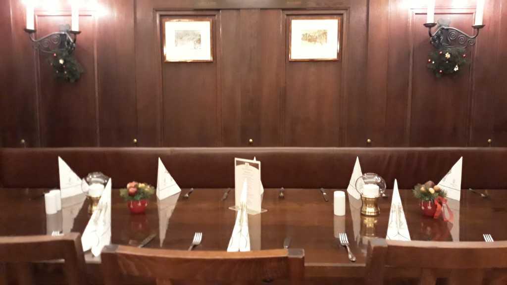 Nische hinter unserem Tisch