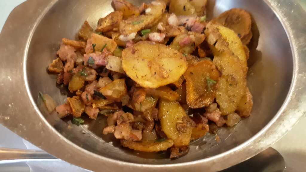 Die dazugehörenden Bratkartoffeln