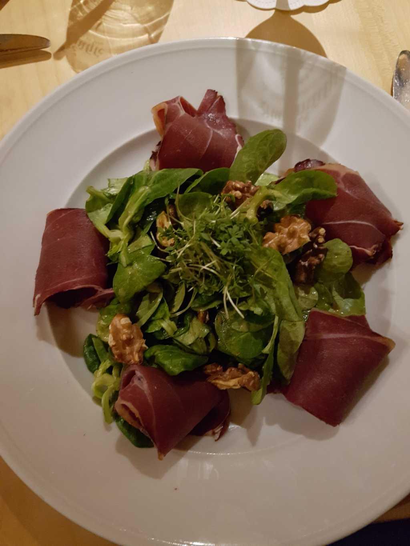 Feldsalat mit Wildschweinschinken