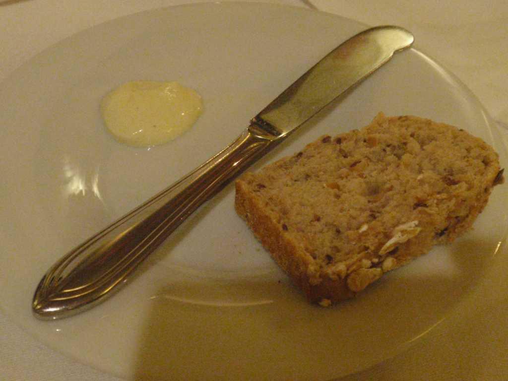 Brot und Knoblauch-Chili-Creme