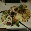 Steak Knoblauch Schafskäse(zarte Schweinesteaks mit reichlich Knoblauch und Schafskäse überbacken, dazu Bratkartoffeln und ein kleiner Salat) für 14,90 €