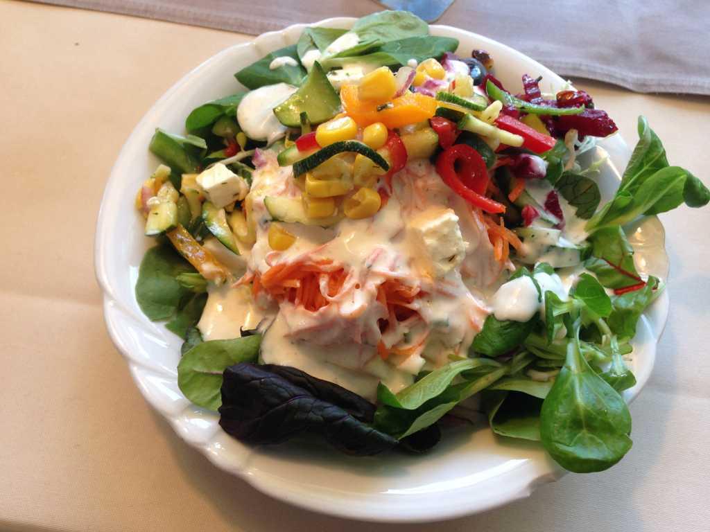 Salat vom Büffet von Frau Schwalmwelli