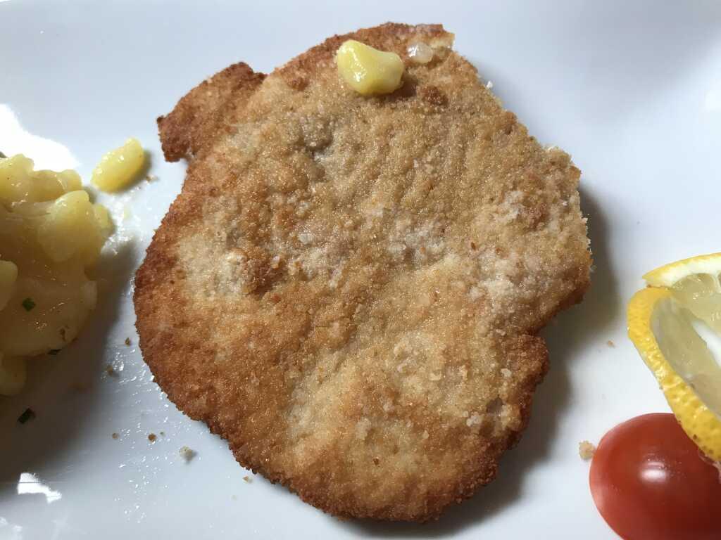 Schweineschnitzel mit Altwiener Kartoffelsalat