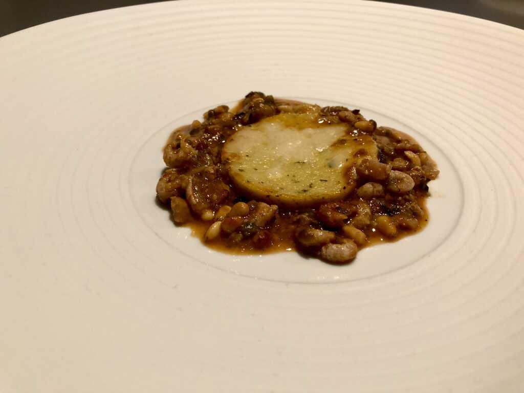 Parmesan-Polenta mit Puttanesca