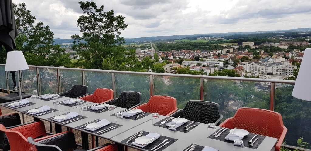Terrasse mit Blick auf Homburg