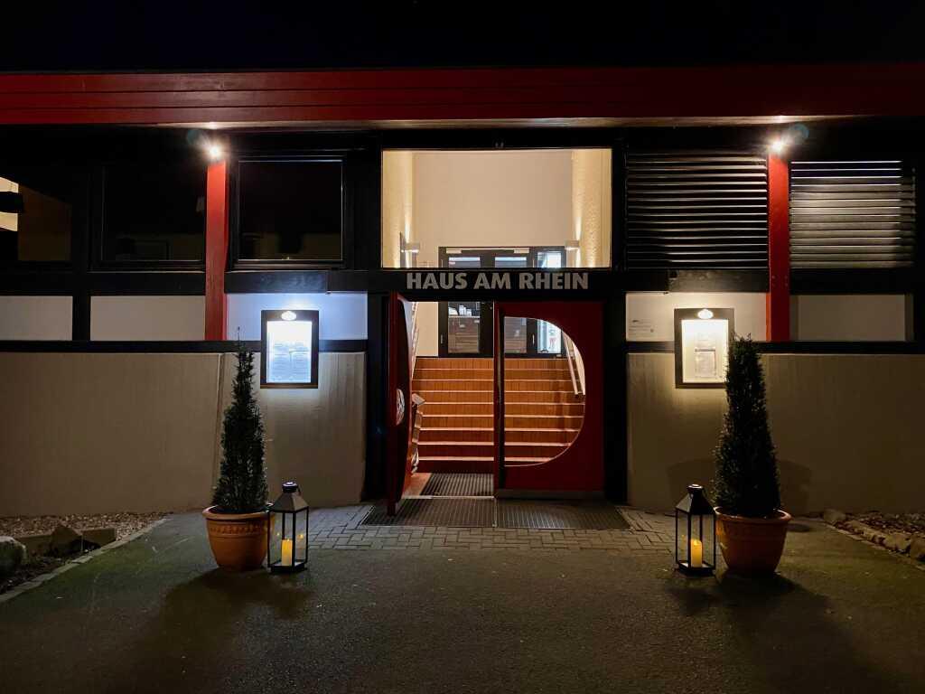 Haus am Rhein – Eingang