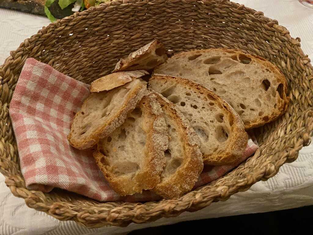 Brot zur kleinen Käseplatte