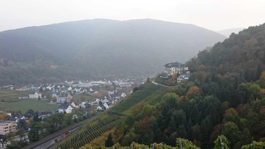 Rechts im Bild das Hohenzollern