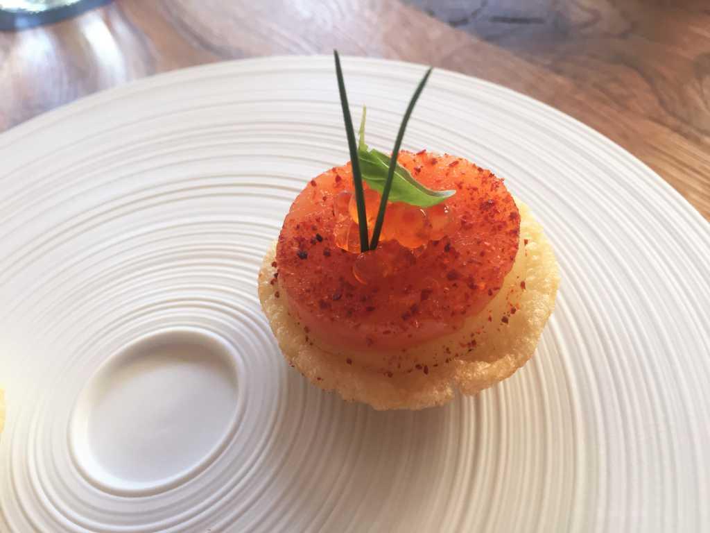 Apéro: Kartoffelcracker mit Bärlauchcreme und gebeizter Lachs