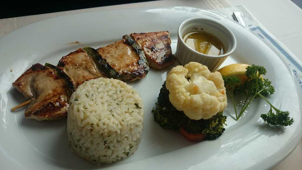 Schwertfisch mit Gemüse (9,70)