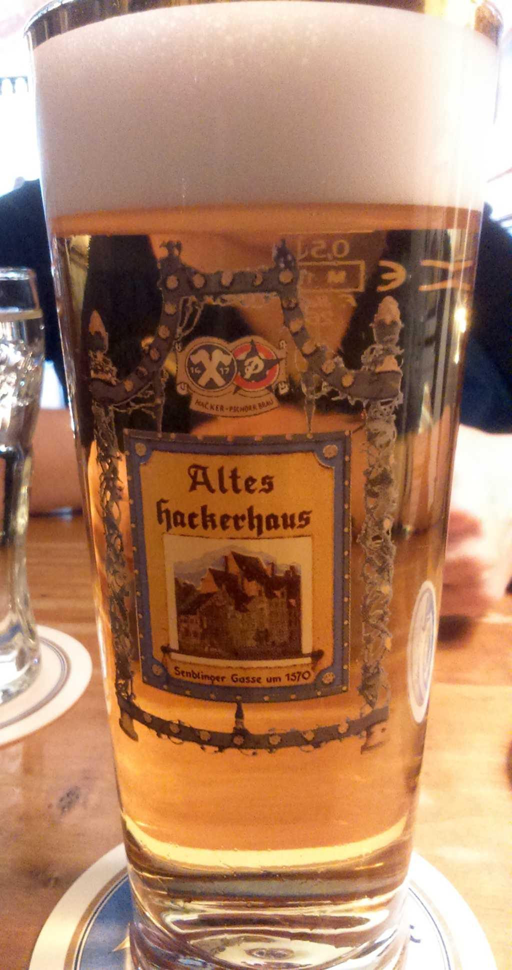 Altes Hackerhaus - Helles 0,5l