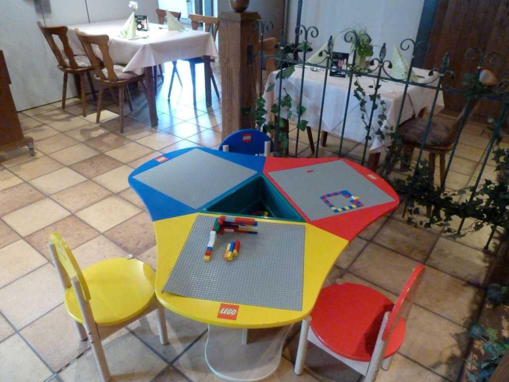Lego-Spieltisch