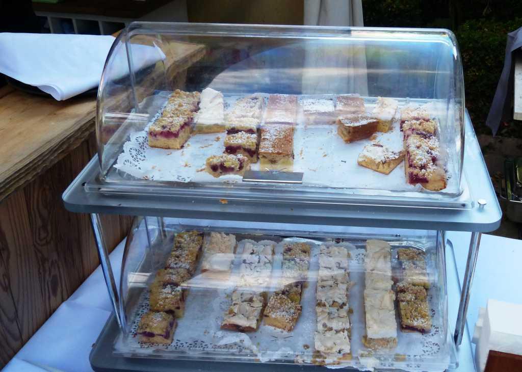 Kuchenbuffet für die Hotelgäste (Besucher willkommen)