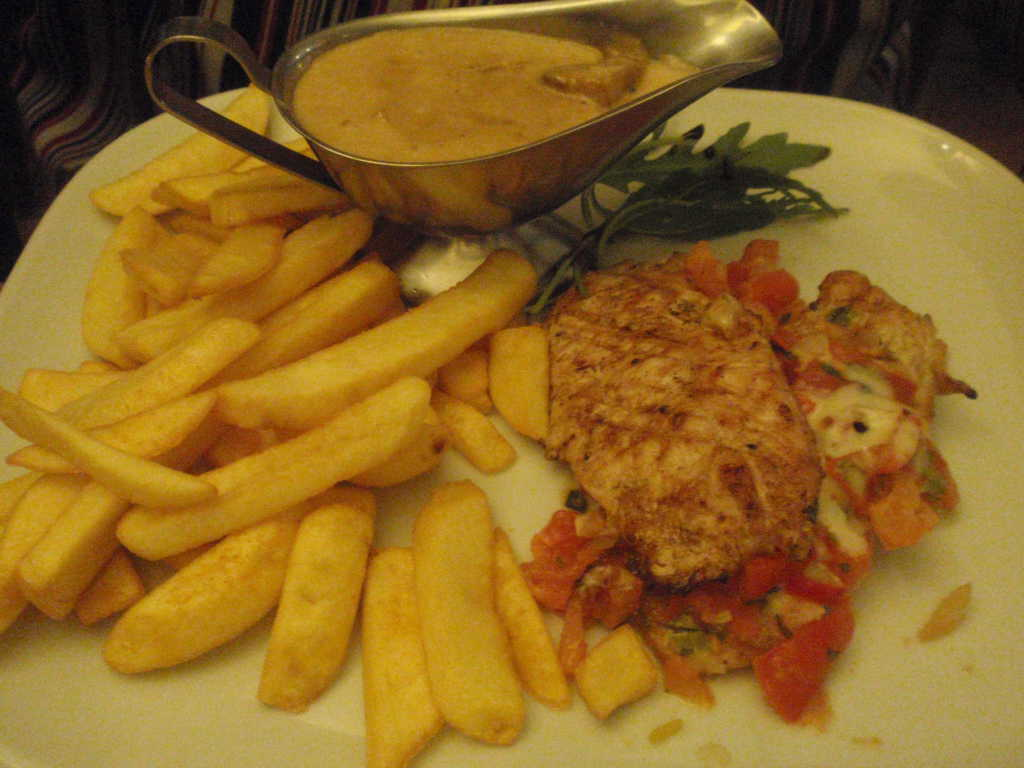 Pollo, Pommes, Sauce