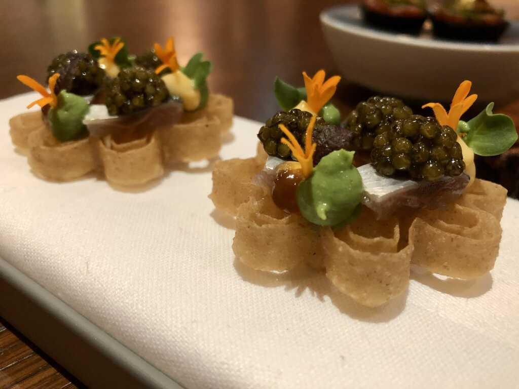 Japanische Waffel mit Sardine  & Meereskräutercrème