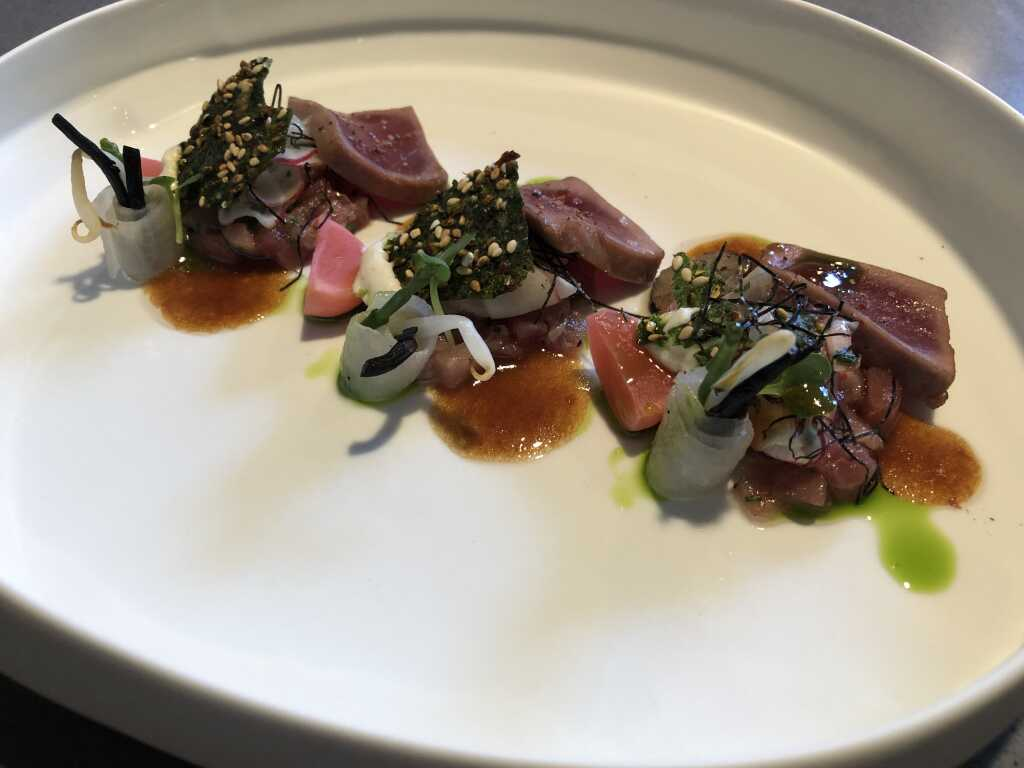 2 x Tuna mit Wasabi-Ponzu und Daikon-Öl