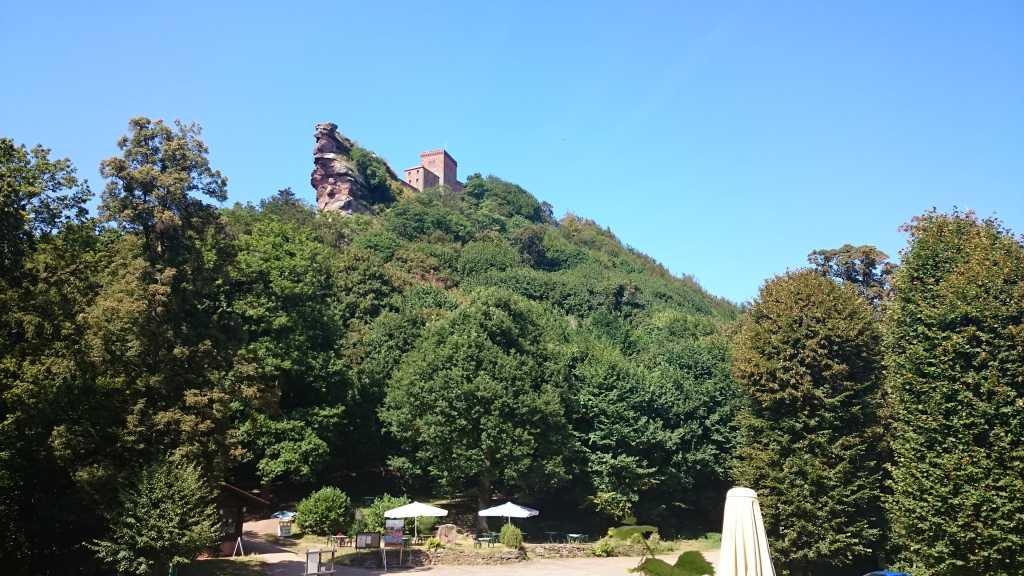 Blick vom Restaurant zur Burg
