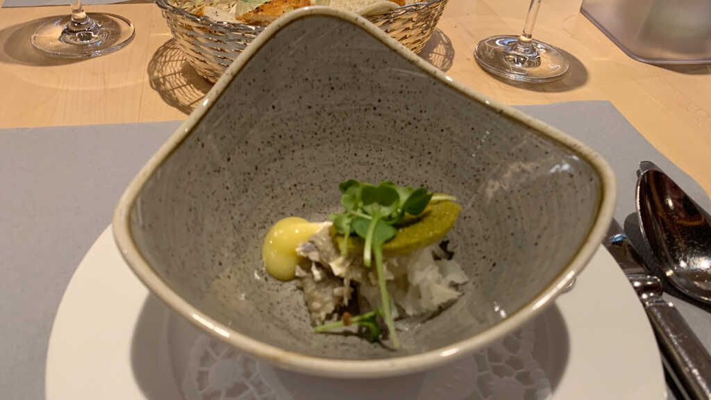 Amuse: Bodenseefelchen - Oliven-Aioli – Kohlrabi