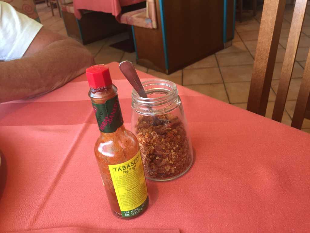 Bestelltes Chili-und Knoblauchöl