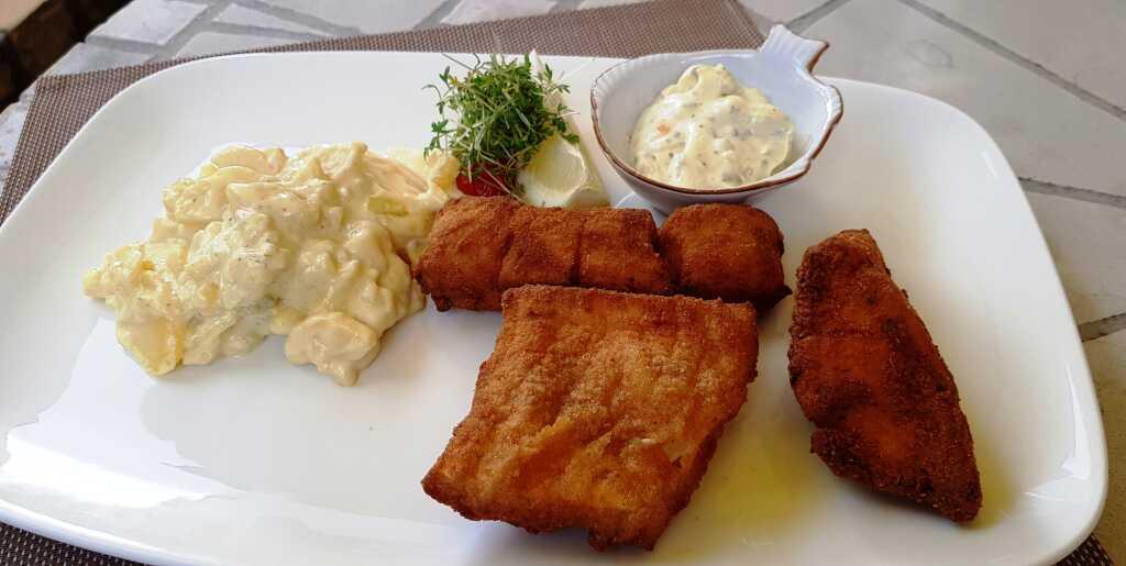 Paniert gebackenes Zanderfilet / Kartoffelsalat / Remo