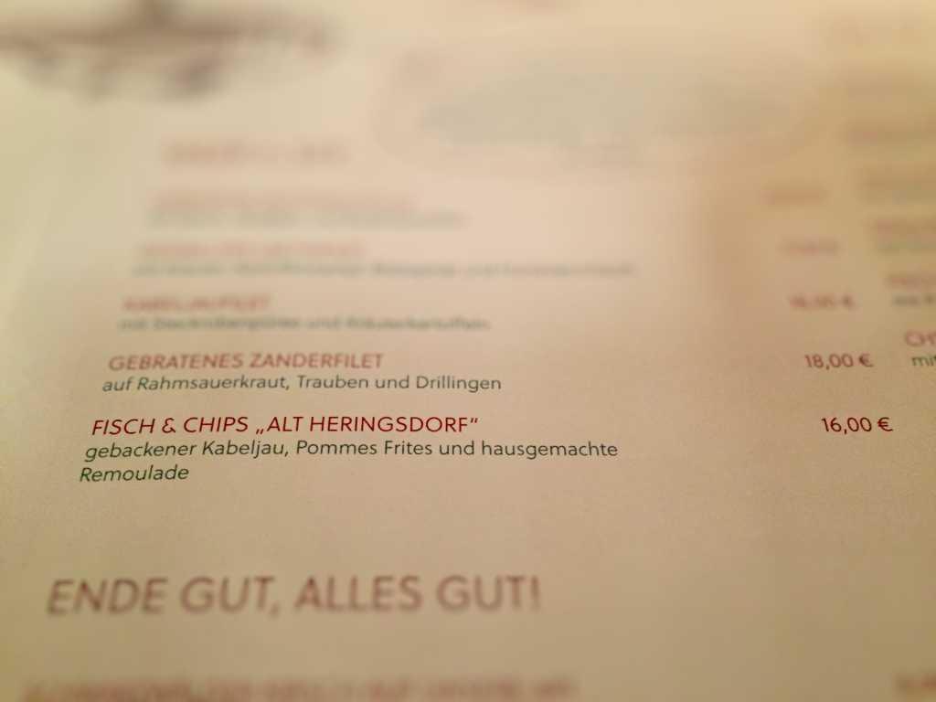 """Fisch & Chips """"Alt-Heringsdorf"""", gebackener Kabeljau, Pommes frites und hausgemachte Remoulade (16.-)"""