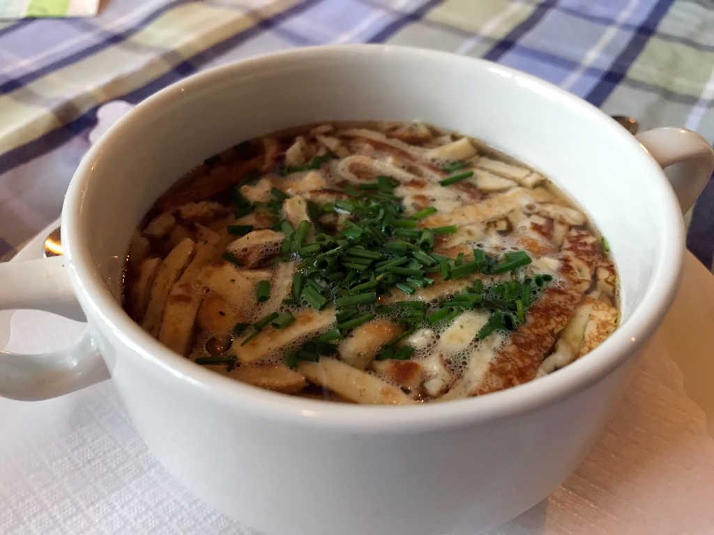 Pfannkuchensuppe