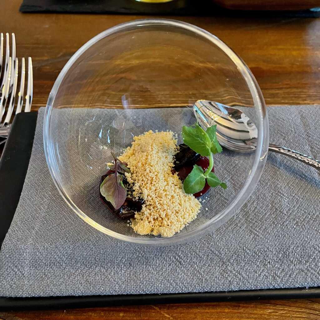 Amuse Gueule: geeiste Fois gras - Sauerkirsche