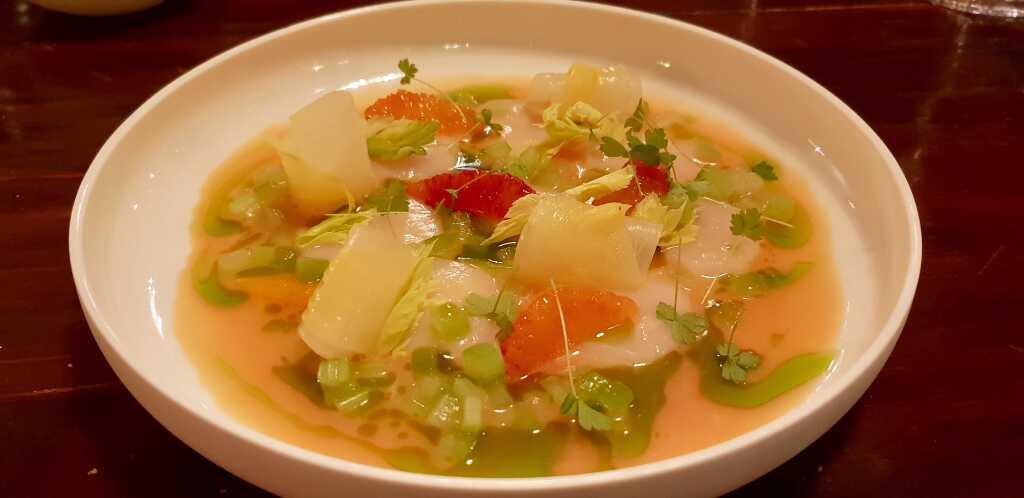 Ceviche von der Jakobsmuschel, Blutorange, Mandarine, Sellerie