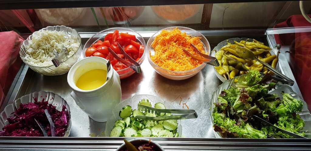 Salatbufett, klein und fein