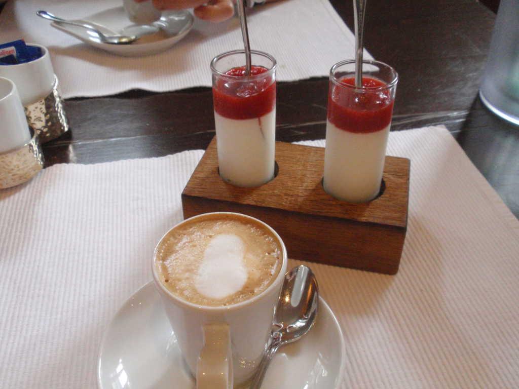 Espresso mit Beilage