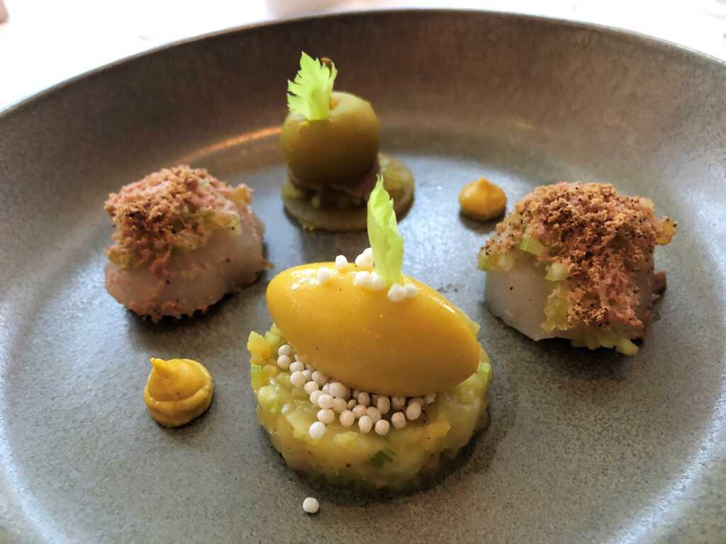 Gänseleber & Jakobsmuschel / Curry / Apfel / Sellerie