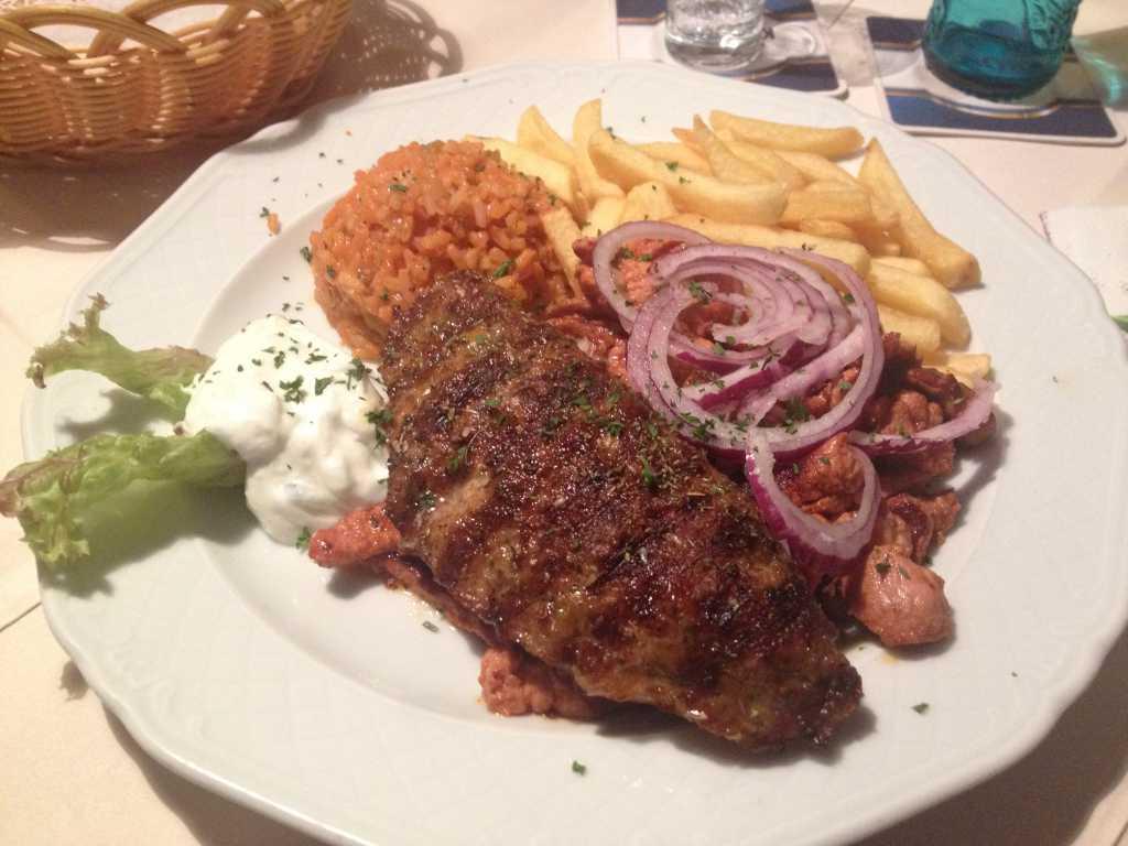 Ryros mit Bifteki