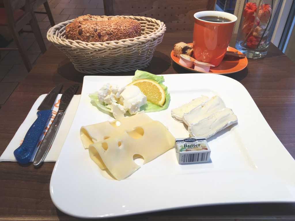Käsefrühstück
