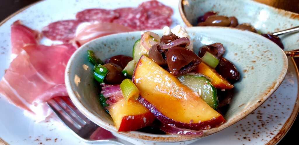 Oliven-Pflaumen-Salat