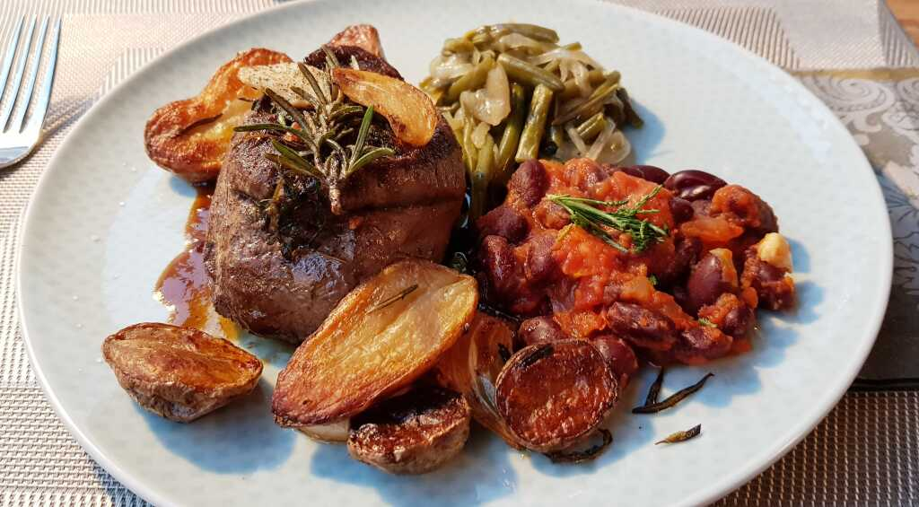 Rinderfilet, Rosmarinkartoffeln , Portweinjus