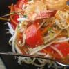 Frischer Garnelen-Papaya-Salat