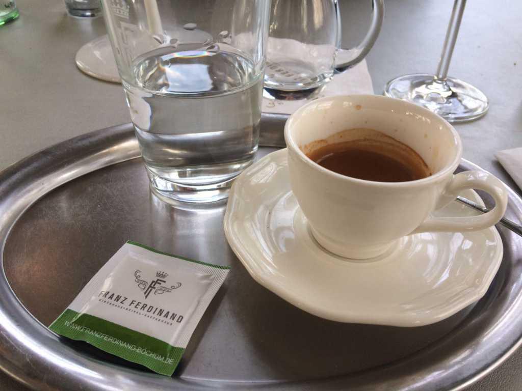 Espresso vom Haus