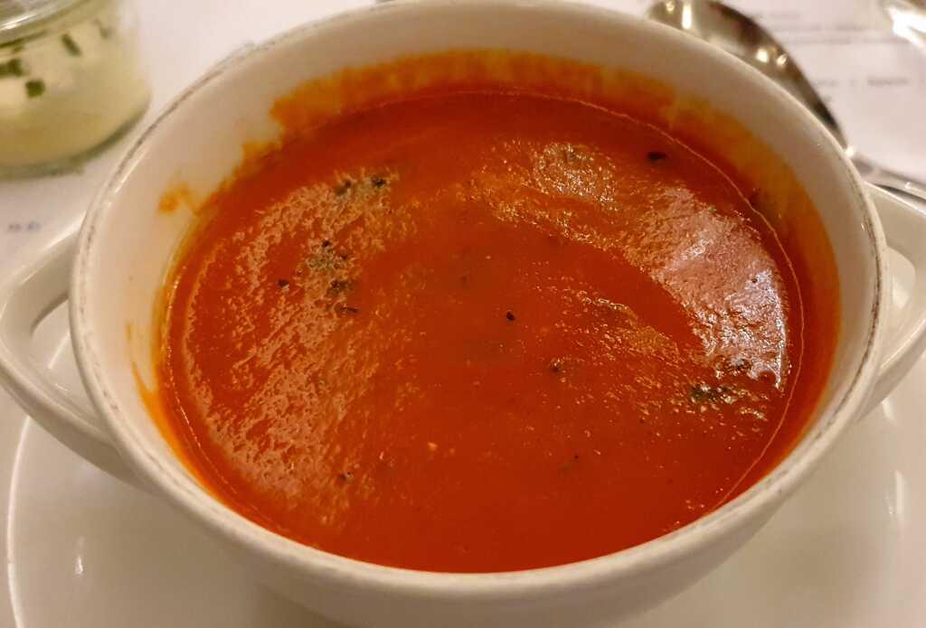 Tomatensuppe mit Schmand