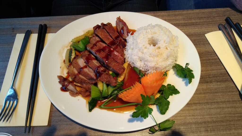 Vit Quay Zen - knusprige Ente mit gewoktem Gemüse