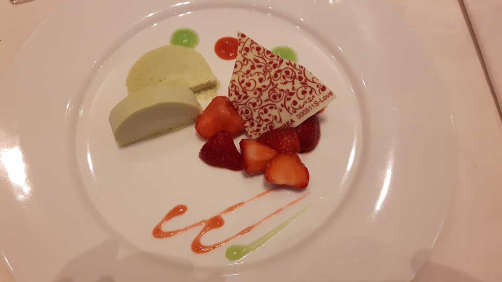 Dessert Erbeer/Limette/Avocado