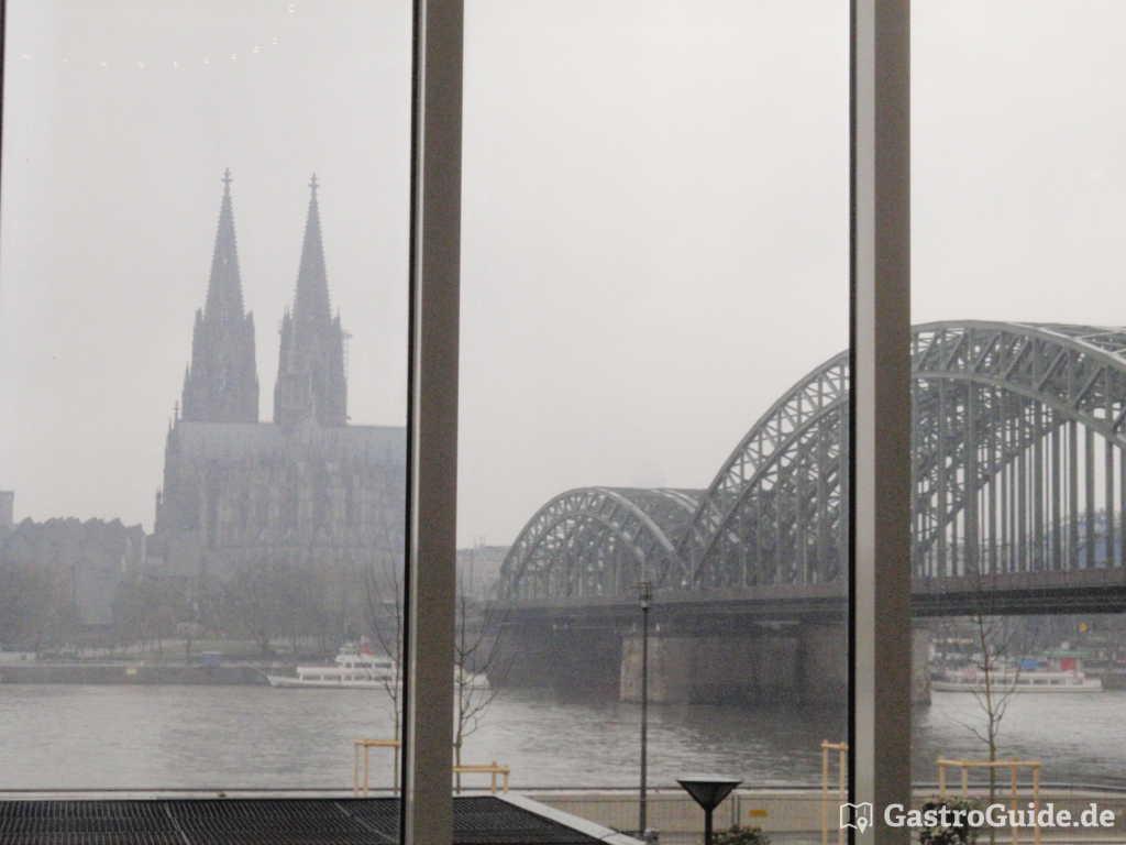 Dom, Brücke