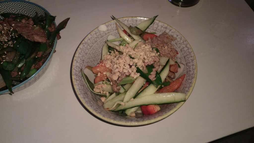 Bo Tai Chanh - scharfer Rindfleichsalat mit Limette 7,90€