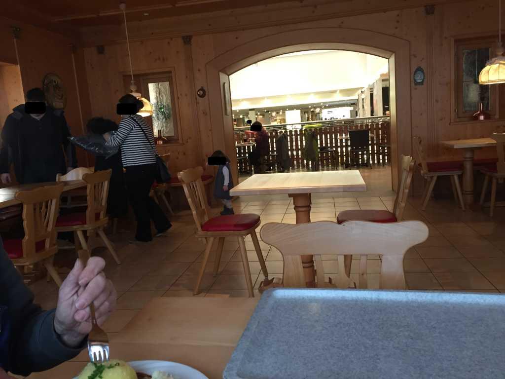 bewertungen restaurant im m belhof restaurant in 85051. Black Bedroom Furniture Sets. Home Design Ideas