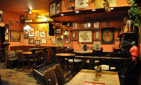 schmidt s kneipe restaurant kneipe biergarten in 27356 rotenburg w mme rotenburg. Black Bedroom Furniture Sets. Home Design Ideas