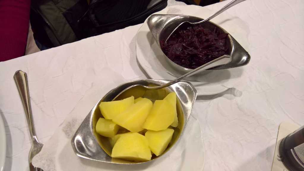 Apfelrotkohl & Salzkartoffeln