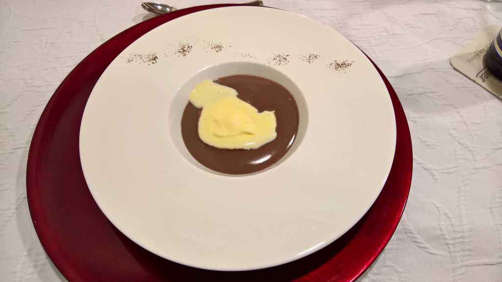 warmer Schokoladenpudding mit Vanillesauce