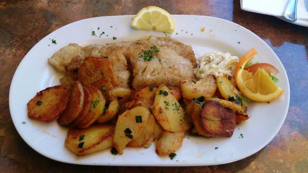 Seelachsfilet mit Bratkartoffeln