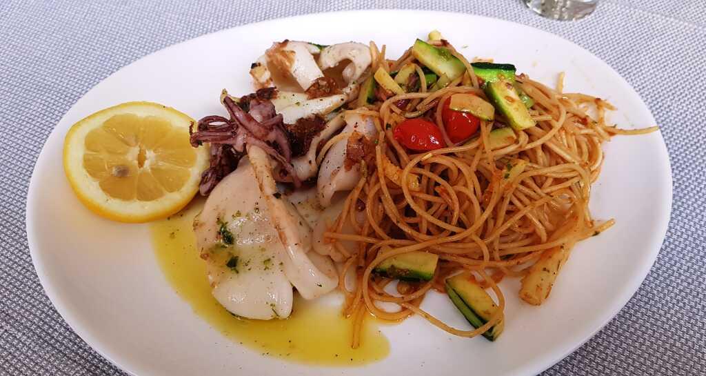 Calamari mit Pasta