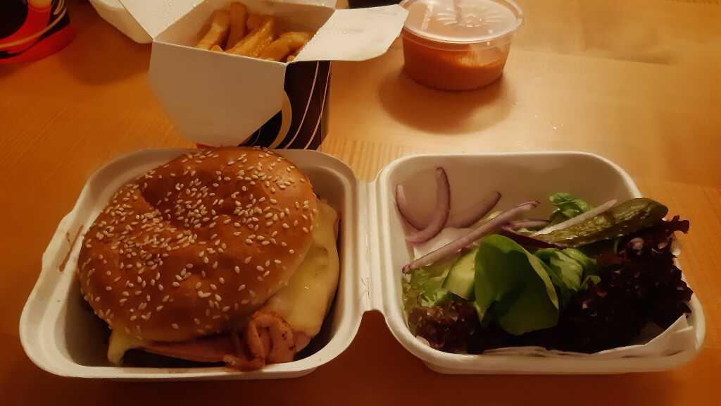 so sieht der Burger schon besser aus