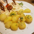 Foto zu St. Albanshof: Spundekäse mit Pellkartoffeln
